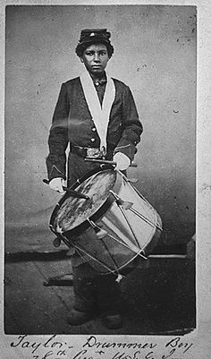 This young drummer boy who was a member of the United States infantry during the Civil War. | 20 Powerful Black-And-White Photographs Of Regular Americans From History
