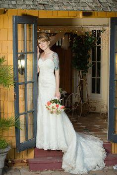 Inside The Bungalow Wedding Photos Erinn Ian EyeshotPhotography