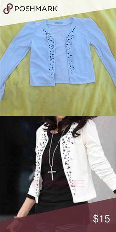 White cropped blazer Never worn! White cropped blazer Jackets & Coats Blazers