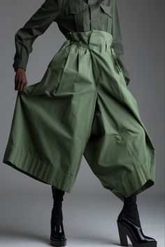 Vintage Junya Watanabe Comme des Garçons Trousers and green shirt Look Cool, Cool Style, My Style, Girl Fashion, Fashion Outfits, Fashion Design, Fashion Tips, 70s Fashion, Modest Fashion