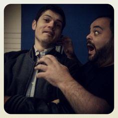Momento descontraído entre o diretor de arte, Haran Amorim e o diretor de criação, Fábio Scalabrini. #susto!