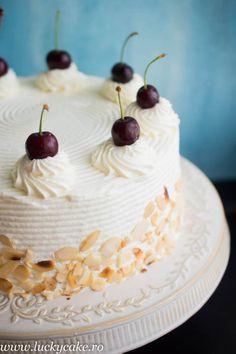 Tort Malakoff cu visine Gustul acestui tort m-a cucerit definitiv ! Este un tort cu origine austriaca, precum tortul Sacher, fin si delicat. Pe langa crema de migdale am adaugat un strat dulce acrisor de visine, pentru contrast. Rezultatul e fost delicios ! (Visited 738 times, 1 visits today) Cupcake Cakes, Cupcakes, Romanian Food, Something Sweet, How To Make Cake, Biscuits, Cake Decorating, Bakery, Sweet Treats
