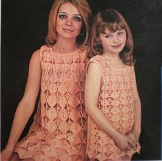 WonkyZebra crochet motif dress in Mother/daughter sizes. Leaf shape lace similar to 002 which has a plain yoke. Vintage Crochet Dresses, Crochet Skirts, Crochet Clothes, Mommy And Me Dresses, Lace A Line Dress, Mother Daughter Outfits, Vintage Mom, Knit Fashion, Matching Outfits