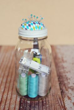 eighteen25: Mason Jar Sewing Kit