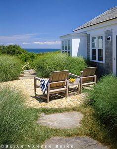 I could get to grips with a seaside garden if it looks like this... Oceanside Cottage ~ Design: Hutker Architects.