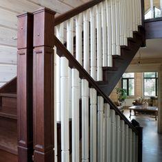 Деревянная лестница в загородном доме. Эксклюзивная мебель на заказ. Изделия из ценных пород дерева!