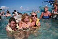 stingray-photobomb