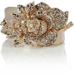 Meryl Flower Cuff (51 BRL) ❤ liked on Polyvore featuring jewelry, bracelets, accessories, bracelet bangle, beaded flower bracelet, gold tone cuff bracelet, cuff bangle and cuff jewelry