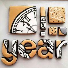 Stunning New Year cookies Galletas Cookies, Iced Cookies, Cute Cookies, Royal Icing Cookies, Holiday Cookies, Sugar Cookies, Cupcakes, Cupcake Cookies, Cookie Designs