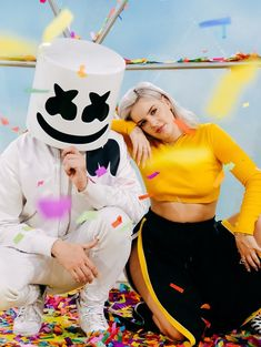 Marshmello Anne-Marie my favorite DJ and singer I love them Electro Music, Dj Music, Dj Alan Walker, Dj Marshmello, Marshmello Wallpapers, Anne Maria, Bebe Rexha, Famous Singers, Belle Photo