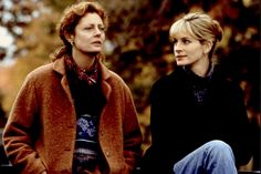 Susan Sarandon and Julia Roberts in Stepmom directed by Chris Columbus, 1998 Best Fall Movies, The Fall Movie, Good Movies To Watch, Great Movies, Matthew Perry, Michael Collins, Liam Neeson, Eric Roberts, Romantic Movies