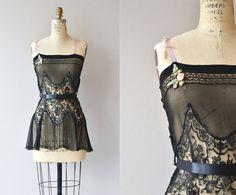 Chemise de nuit trop Belle  lingerie vintage des par DearGolden