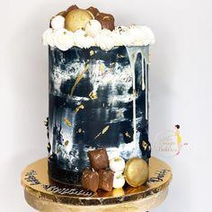 """𝐐𝐮𝐚'𝐓𝐞𝐬𝐡𝐚 𝐅𝐞𝐥𝐝𝐞𝐫•𝗖𝗮𝗸𝗲 𝗗𝗲𝘀𝗶𝗴𝗻𝗲𝗿 on Instagram: """"𝔹𝕝𝕒𝕔𝕜, 𝕨𝕙𝕚𝕥𝕖, & 𝕘𝕠𝕝𝕕 ✨ : : : : : : : : : : : : : : : : : : : : : : : : #theebougiebaker #birthdaycake #summer #manlycake #cake…"""" Black White, White Gold, Cakes For Men, Custom Cakes, Birthday Cake, Treats, Summer, Instagram, Design"""