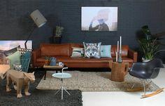 Slimm bank, zachte stoffen, stoer leer en prachtige kussens met print... Zin in de winterl! http://design5.nl/nl/zitten-2