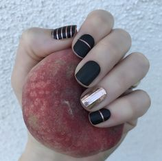 IT Girl and Rose Gold (retired)  https://hanjamuk.jamberry.com/uk/en/shop/products/it-girl