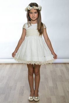 Vestido M. 6040 Cute Little Girl Dresses, Flower Girl Dresses, Simple Summer Dresses, Toddler Girl Outfits, Baby Dress, Marie, Kids Fashion, Fashion Dresses, Bridesmaid Dresses