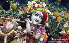 To view Gopinath Close Up Wallpaper of ISKCON Chowpatty in difference sizes visit - http://harekrishnawallpapers.com/sri-gopinath-close-up-wallpaper-007/