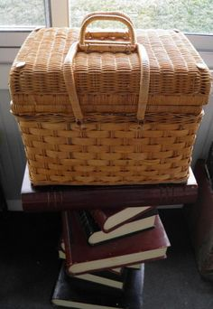Vintage Wicker Picnic Basket by Picnic Time by TheDecoHotel