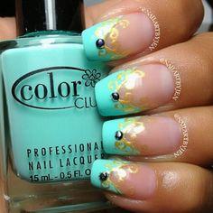 Princess Jasmine inspired nails