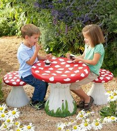 Awesome toadstool Table and Chairs