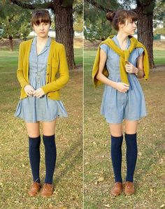 to Wear Oxford Shoes Chambray dress, with a chartreuse colored cardigan, over navy over the knee socks & caramel oxfords.Chambray dress, with a chartreuse colored cardigan, over navy over the knee socks & caramel oxfords. Lady Diana, Grace Kelly, Birkenstock With Socks, Look Oxford, Style Feminin, Oxford Shoes Outfit, Oxford Heels, Dress Shoes, Forever 21 Cardigans