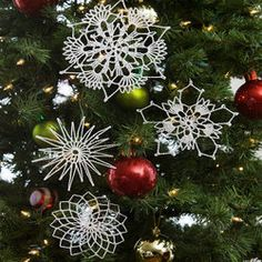 Flurry of Snowflakes to crochet, for ornaments, garlands, and wreaths