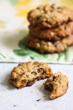 Coconut Oil Chocolate Chip Oatmeal Cookies