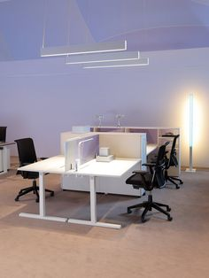 T_up / Workstations & Systems / Desks & Tables / Products   Haworth - Office Furniture and Adaptable Workplaces in Europe