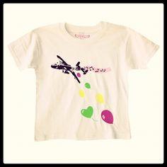 Porque los peques también quieren ser cool, fashion y marcar tendencias. Si nos imitan en todo ¿por qué no enseñarles también a tener buen gusto y criterio estético? Por todo ello os traemos estas alegres e impactantes camisetas.  http://www.neodalia.com/es/ventas/camisetas-kids