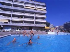 Salou Apartamentos Zahara Spain, Europe Ideally located in the prime touristic area of Salou City Center, Apartamentos Zahara promises a relaxing and wonderful visit. The hotel has everything you need for a comfortable stay. Luggage storage, family room, car hire, tours, elevator are on the list of things guests can enjoy. Comfortable guestrooms ensure a good night's sleep with some rooms featuring facilities such as television LCD/plasma screen, balcony/terrace, kitchenette, ...