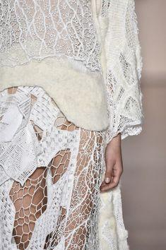 Fashion Portfolio Moodboard Fabric Manipulation Ideas For 2019 Fast Fashion, High Fashion, Womens Fashion, Couture Details, Fashion Details, Fashion Design, Fernanda Yamamoto, A Level Textiles, Fashion Portfolio