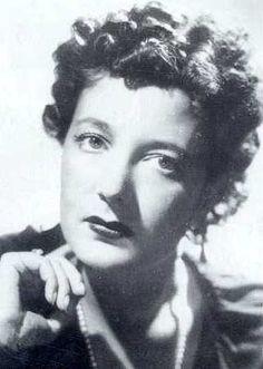 Clara Petacci. amante de Musolini, escribió un diario muy detallado de su vida sexual con el dictador.  Murió fusilada al lado de su amante y colgada para exhibición pública