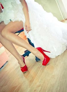 Love the dress and the shoes... love,  love, love!