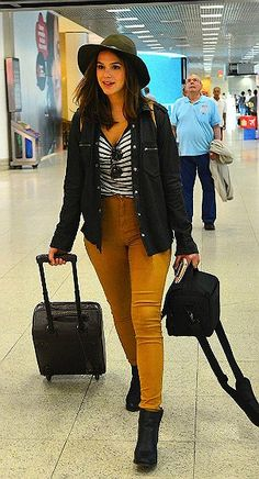 Look de aeroporto da Bruna Marquezine