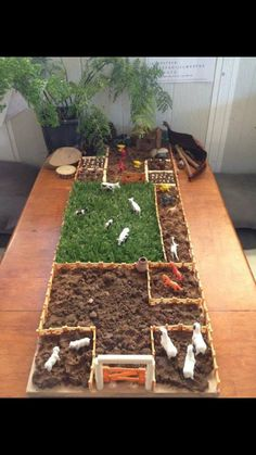 farm small world play The Farm, Mini Farm, Farm Activities, Preschool Activities, Preschool Classroom Layout, Preschool Family, Sensory Table, Sensory Bins, Sensory Play