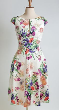 Summer dress floral dress made-to-measure dress mid-length dress mother of the bride dress cotton print dress wedding guest dress Floral Dress Outfits, Casual Dresses, Fashion Dresses, Summer Dresses, Floral Gown, Skirt Outfits, Maxi Dresses, Frack, Mid Length Dresses