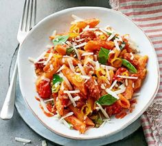 Pickled chilli peppers, spicy chorizo and sweet cherry tomatoes make up this simple and quick pasta dish. Ideal for an easy midweek meal for two Easy Pasta Dishes, One Pot Pasta, Bbc Good Food Recipes, Cooking Recipes, Bbc Recipes, Vegetarian Recipes, Healthy Recipes, Chicken And Chorizo Pasta, Chorizo Risotto