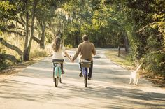 Charleston Bike ride engagement shoot with yellow Lab by @clickchickchas | Two Bright Lights :: Blog