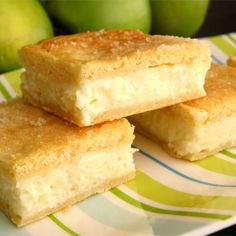 Cream Cheese Squares Recipe - Refrigerated crescent roll dough is layered with cream cheese and cinnamon sugar to make a quick and tasty treat. Lemon Cream Cheese Bars, Cream Cheese Crescent Rolls, Low Fat Cream Cheese, Crescent Roll Dough, Crescent Roll Recipes, Cream Cheeses, Cream Cheese Danish, Lemon Bars, Nutella