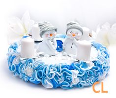 Filzkranz mit Airbrush Felt wreath with airbrush Felt Wreath, Airbrush, Birthday Cake, Wreaths, Winter, Desserts, Food, Figurines, Handarbeit