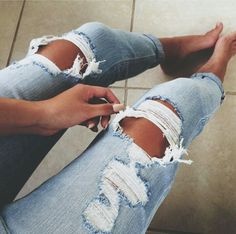 There's nothing better than wearing a pair of destroyed jeans on the weekends! It reminds me of college!