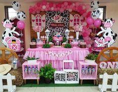 decoracion cumpleaños de la vaca Lola Cow Birthday Parties, Baby Girl Birthday Theme, Cowgirl Birthday, Cowgirl Party, Farm Birthday, Farm Animal Party, Farm Party, Birthday Decorations, Birthdays
