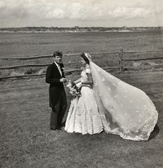 Jackie Kennedy wedding dress: see a new photo from her wedding to John F. Kennedy from the book Jackie and Camelot Jacqueline Kennedy Onassis, John Kennedy, Jackie Kennedy Wedding, Les Kennedy, Carolyn Bessette Kennedy, Jaqueline Kennedy, Jacklyn Kennedy, Jackie Kennedy Style, Helen Rose