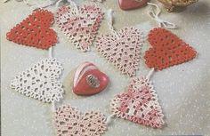 Heart Garland Crochet Pattern - Valentine's Day Ornament @Shannon Kendall @ Red Queen Miscellanea  Creek Home Rhonda