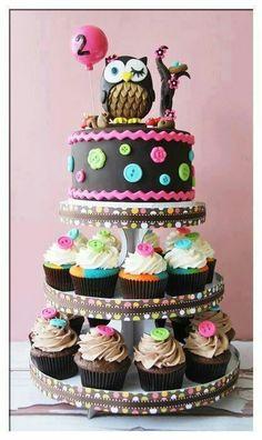Owl & cupcake tier #party #wedding #cake #cakeideas #creativecakes #food #foodie #fondant #cakedecorating #amazingcakes #cupcakes #yum #birthday