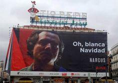 El cartel de 'Narcos' en la Puerta de Sol de Madrid