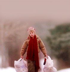 grocery bags bust out bottoms / one of those days / why me / bad luck / figures – Macaulay Culkin as Kevin McCallister in Home Alone Home Alone Meme, Kevin Home Alone, Home Alone 1990, Cozy Christmas, Christmas Movies, Christmas Time, Christmas Gifts, Larry Wilcox, Classic Holiday Movies