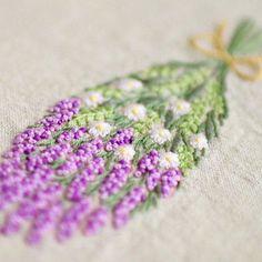 * . ラベンダーの花束 . . #刺繍#手刺繍#ステッチ#手芸#embroidery#handembroidery#stitching#needlework#자수#broderie#bordado#вишивка#stickerei