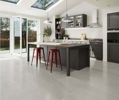 Grey Kitchen Floor, Modern Kitchen Island, Kitchen Tiles, Kitchen Floor Plans, Room Tiles, Kitchen Colors, Grey Kitchen Designs, Contemporary Kitchen Design, Open Plan Kitchen Dining Living
