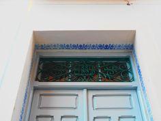 Decoración dintel puerta
